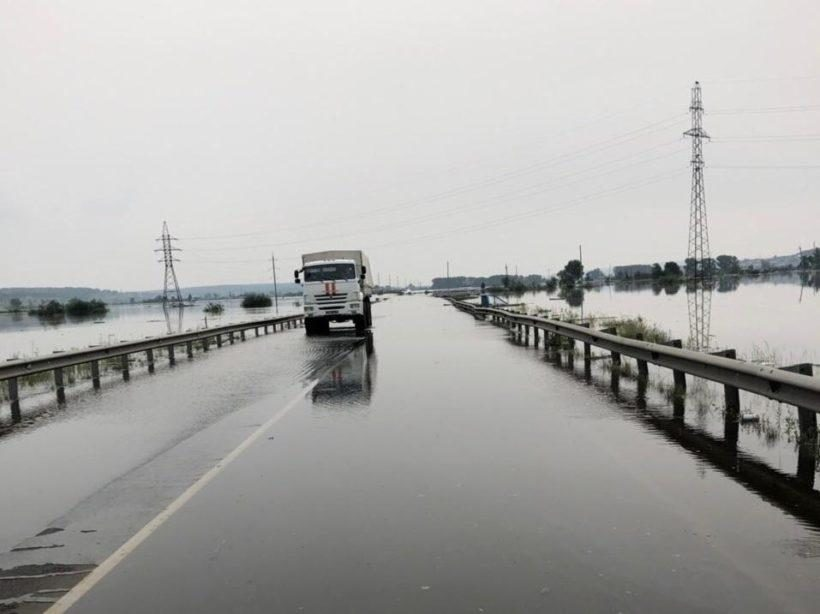 На 13-ти участках дорог в Иркутской области нет проезда из-за паводка
