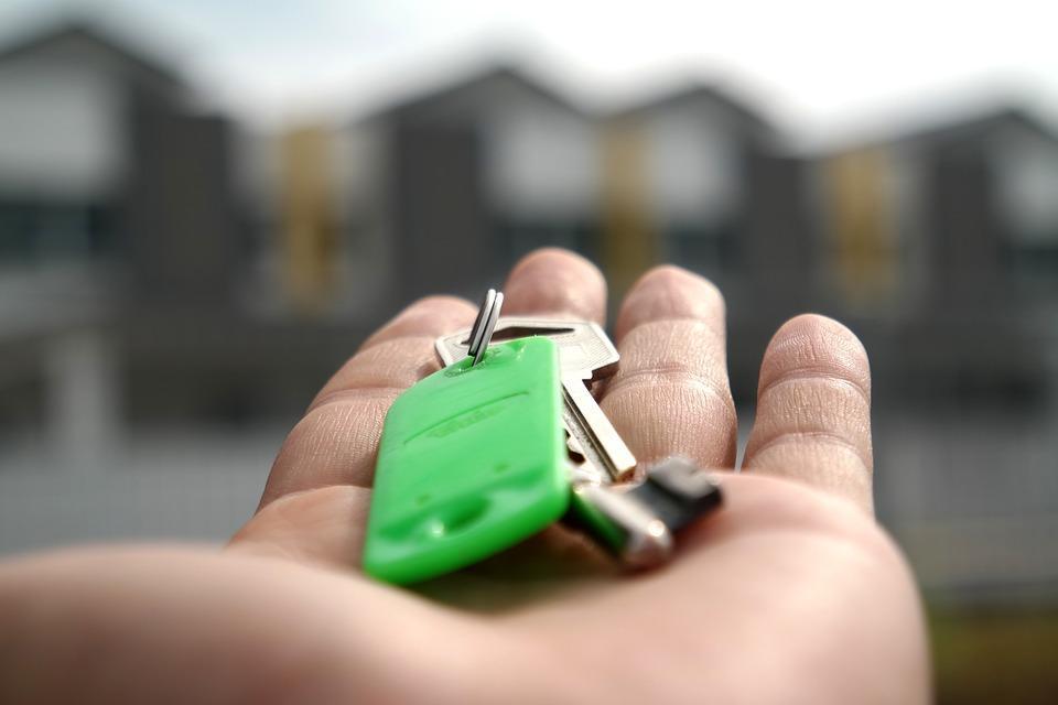 Братчанка едва не лишилась квартиры из-за просроченного кредита