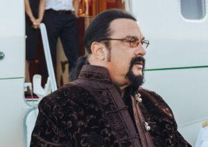 Стивен Сигал собирается возглавить проект по охране Байкала