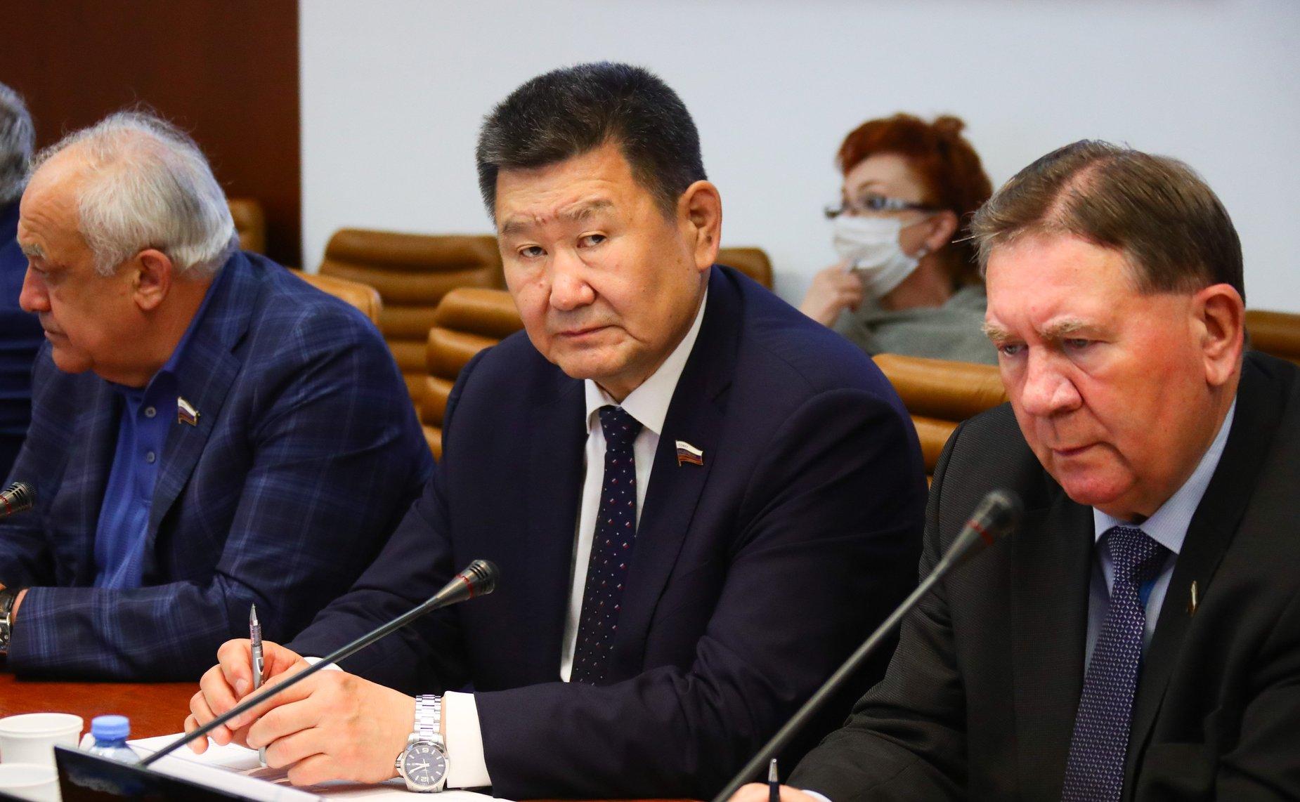 Вячеслав Мархаев покидает пост сенатора Совета Федерации от Иркутской области