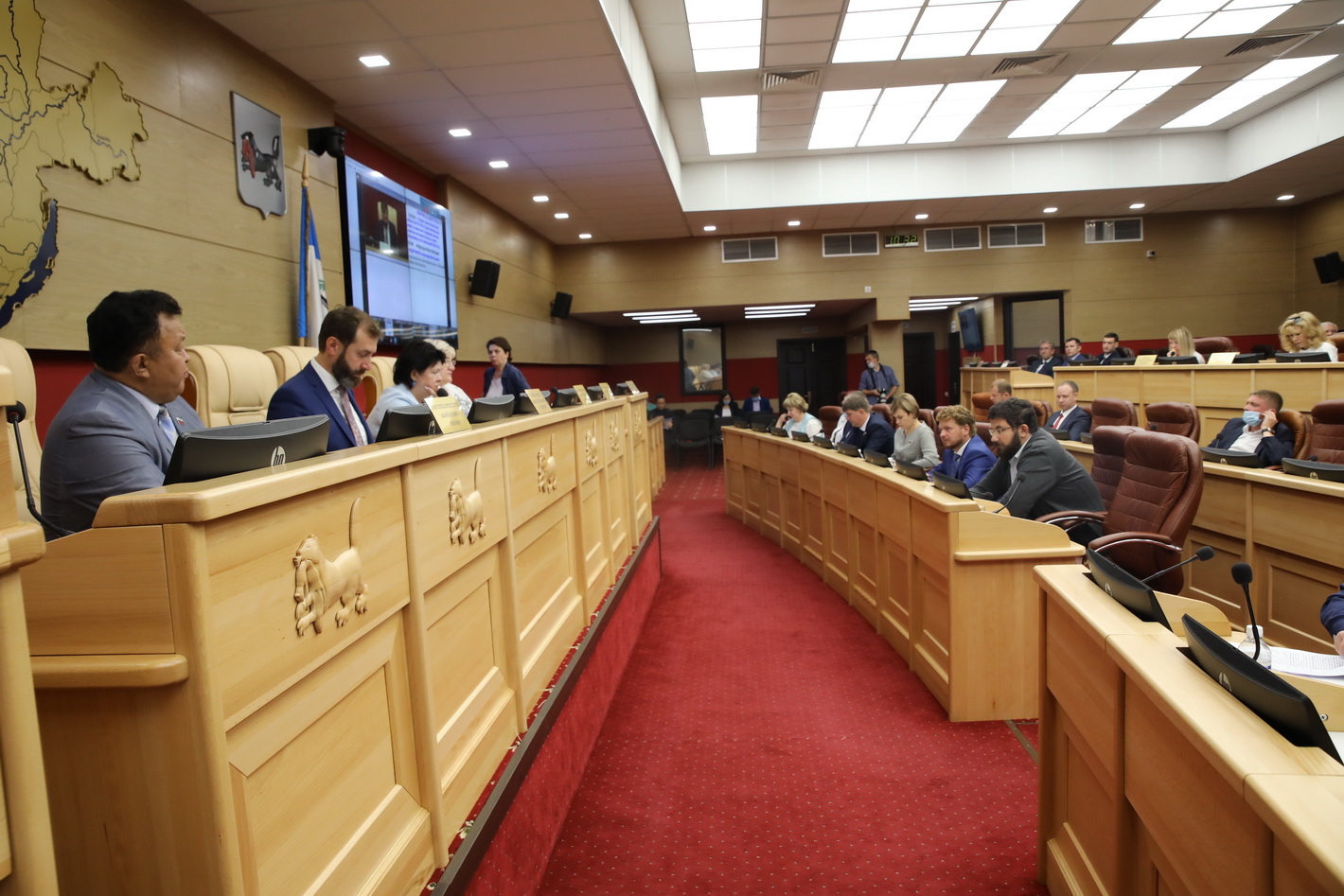 ЗС Приангарья приняло в первом чтении проект закона о единовременных выплатах на первого ребенка