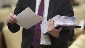 В Госдуму внесли проект закона, дающий президенту право баллотироваться на третий срок