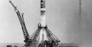 8 апреля 1961 года было принято решение о полете человека в Космос